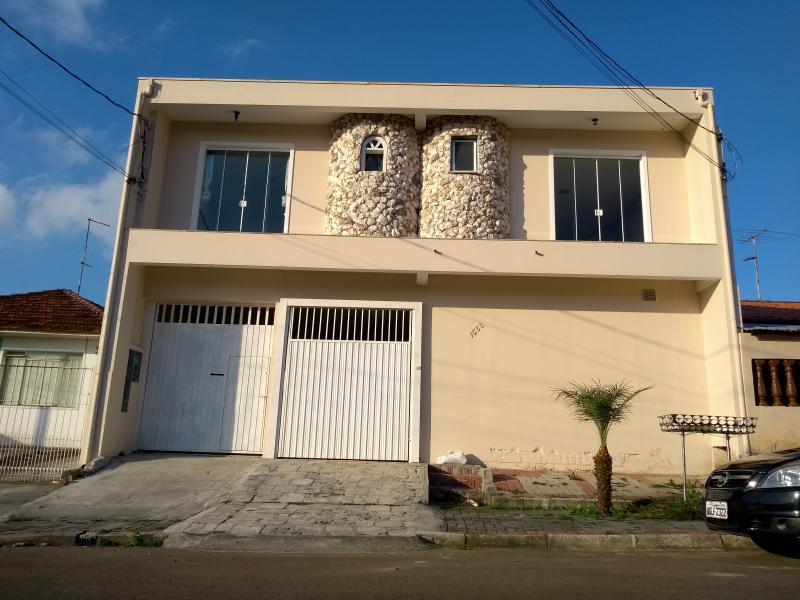 Sobrado para Venda em Araucária / PR no bairro Cachoeira
