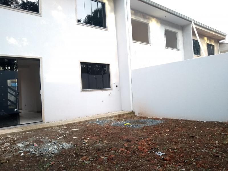 Sobrado para Venda em Araucária / PR no bairro Tindiquera