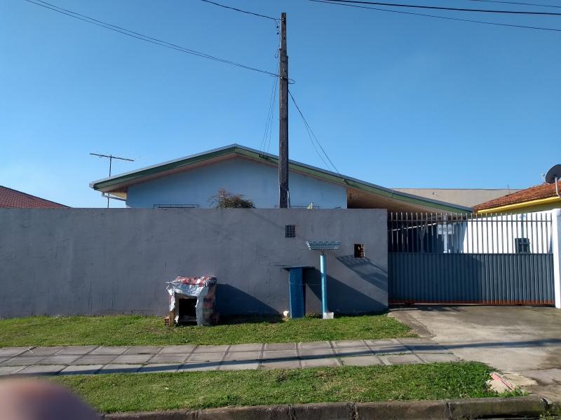 Casa para Venda em Araucária / PR no bairro Iguaçú